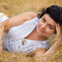 Август :: Dina Ross