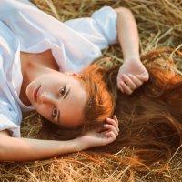 сено в рыжих волосах.. :: Евгений nibumbum