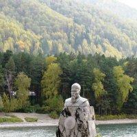 Памятник Н. Рериху. Алтайский край :: Ольга Иргит