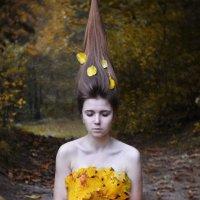 С алым соком ягоды на коже, Нежная, красивая, была. :: Yulia Pateyun