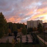 Рассвет в Кольцово :: Наталья Золотых-Сибирская