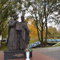 Памятник Петру и Февронии Муромским :: demyanikita