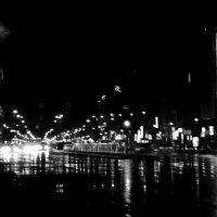 Дождь ночной(чб) :: Artem Marichev