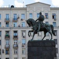 Памятник Юрию Долгорукому :: Дмитрий Каменский