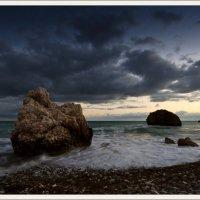 Камни уходят в море :: Александр Константинов