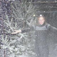А снег кружится... :: Nik ...