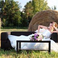 невеста в поле :: Александр Черемнов