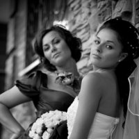 невеста с подругой :: Александр Черемнов