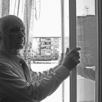 У окна :: Геннадий Тарасков