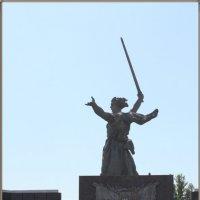 Мамаев курган.Захоронение останков советских воинов... :: юрий сухинин