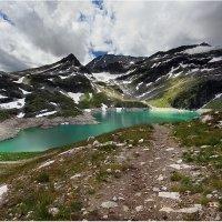 Озеро горной лазури :: Виктория Иванова