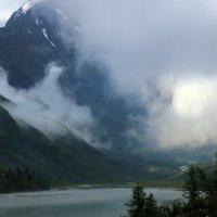 Утро на Аккемском озере :: Михаил Баевский