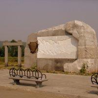Памятник Единению России ,на берегу Чусовой. :: Елизавета Успенская