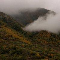 Тучи в горах :: Владимир Бегляров