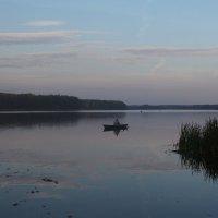 Вечер на озере :: Сергей Михальченко