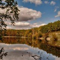 Осенью у реки :: Татьяна Кретова
