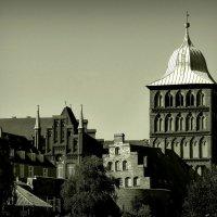 Городок из старой сказки... :: Владимир Секерко