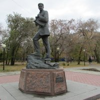 Памятник М. Врубелю :: раиса Орловская