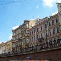 На канале Грибоедова :: alemigun
