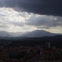 Небо над Жироной... :: Марина Сорокина
