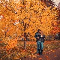 Осень — это вторая весна, когда каждый лист — цветок. (Альберт Камю) :: Галина Мещерякова