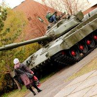 Верхом на танке :: Дмитрий Арсеньев