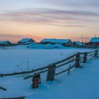 Зимний вечер в деревне :: Николай Андреев