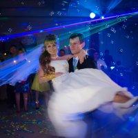 Танец молодых :: Андрей Ларин