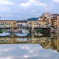 Утро на реке Арно (Флоренция) :: Владимир Горубин