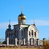 Храм в Рубежном... :: Сергей Петров