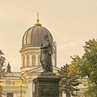 М.С. Воронцов на фоне Спасо-Преображенского собора :: Александр Корчемный