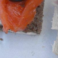 бутерброды с красной рыбой :: Наталья Золотых-Сибирская