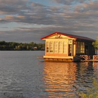 Кафе на берегу. :: Ирина Нафаня