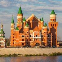 Замок на Патриаршей площади. г.Йошкар-Ола :: Андрей Гриничев