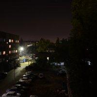 Ночной двор :: Алексей Чипиго