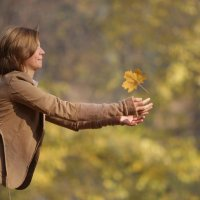 Танец с осенью :: Lesya Dorfman