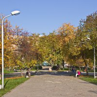 Осень в сквере :: val-isaew2010 Валерий Исаев