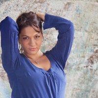 i2 :: Elena Spiro