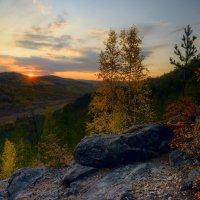 Осенний вечер на яблоновом хребте :: Сергей Брагин