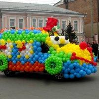 Машинка с праздника. :: nadyasilyuk Вознюк