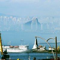Баку сквозь туман :: Victor Levitan