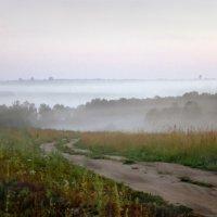 Дремлет взрытая дорога :: Валерий Талашов