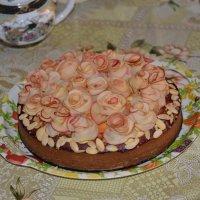Созрели розы в саду у тёти Лены... :: Владимир Константинов