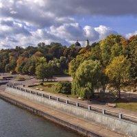 Вид на набережную, реку Сож, парк, башни собора Петра и Павла. :: Евгений Лимонтов