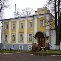 Странноприимный дом Феодоровского монастыря :: Galina Leskova