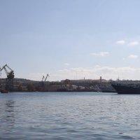 Портовый облик Севастополя. :: Dogdik Sem