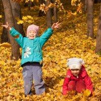 Осенняя прогулка :: Svetlana Zueva