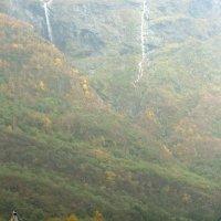 Зелёные горы в зелёной стране. :: Евгения Кирильченко