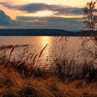 Осенний закат. :: Наталья Юрова