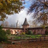 осень в Суздали :: Валентина. .